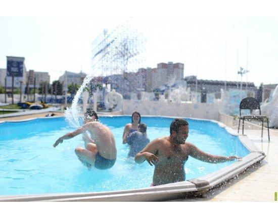 Скачать Аквапарк нижний тагил фото 1920x1080 px