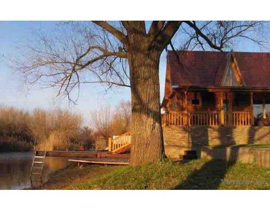 Скачать Дом на берегу реки фото 720x452 px