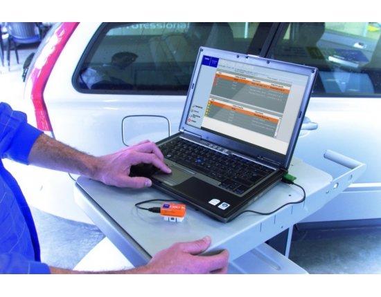 Скачать Компьютерная диагностика автомобиля фото 1000x665 px
