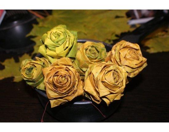 Скачать Цветы из листьев фото 807x540 px