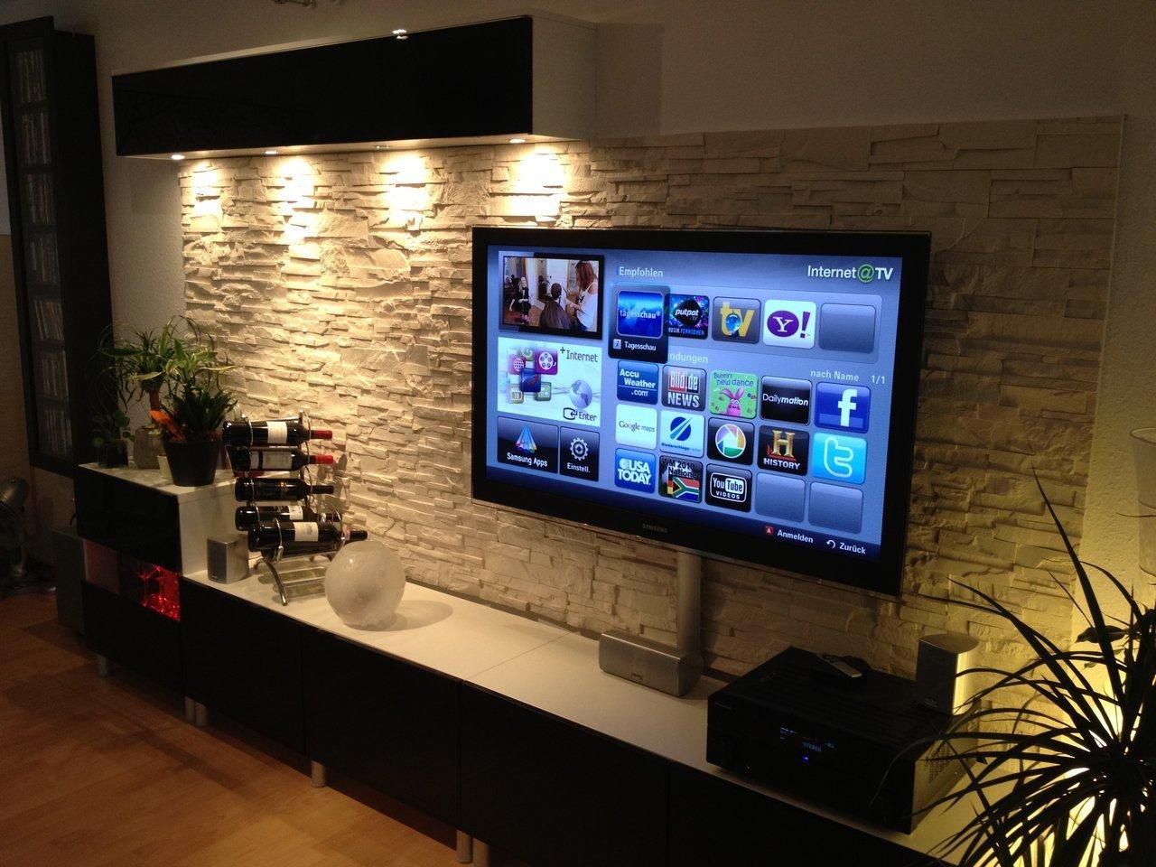 Телевизор на стене в гостиной дизайн